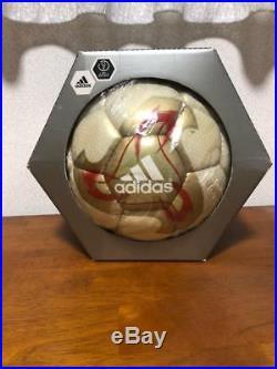 2002 FIFA World Cup Official match Soccer Ball adidas Fevernova 2
