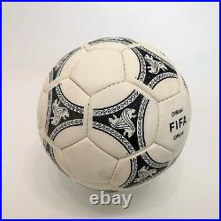 Adidas Fußball Etrusco Romano 90`s matchball
