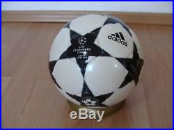 Adidas Fussball Finale 2 OMB UEFA Champions League 2002 Official Matchball Black