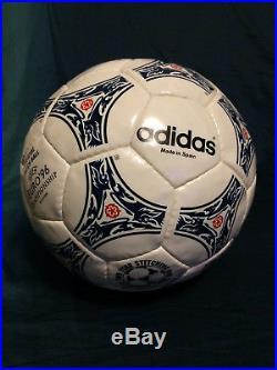 Adidas OMB match ball pallone ballon Questra Europa UEFA Euro 1996 England