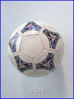 Adidas QUESTRA EUROPA 1996 UEFA. EURO 1996. BALÓN QUESTRA EUROPA 1996 EUROCOPA