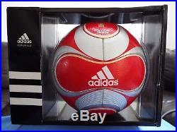 Adidas Teamgeist 2 Magnus Moenia Match Ball. BNIB