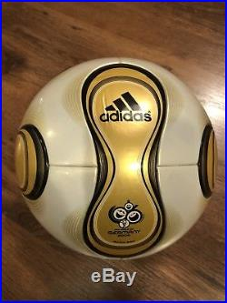 Adidas Teamgeist Officiall Match Ball GOLD