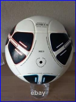 Adidas UEFA Super Cup Monaco 2012 matchball imprint Chelsea Atletico de Madrid