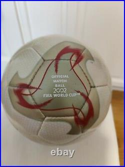 Adidas fevernova official match ball of world cup 2002