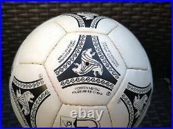 Fussball world cup Italien 1990 Etrusco Adidas matchball