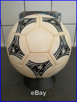 Official Adidas Match Ball World Cup Questra 1994 Made France Holds Air + Box