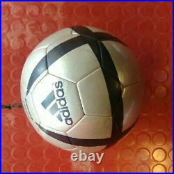 Roteiro official match ball Euro 2004